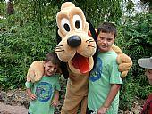 Juanjo y Nicolás en Disneyland París 15/07/2011