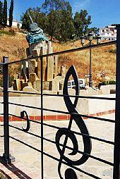 Monumento al Cante por Malagueñas