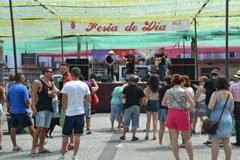 Perotes y Visitantes se dejan seducir por la Feria de D�a