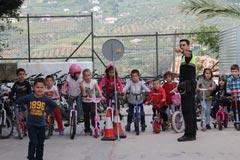 Campa�as de Seguridad Vial en los centros educativos de �lora