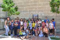 El Museo acerca la historia de �lora a un grupo de escolares