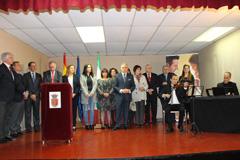 Álora rinde homenaje a profesionales sanitarios del Guadalhorce