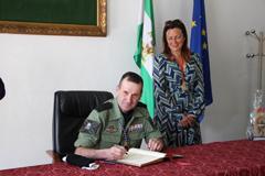 Visita de la Brigada Paracaidista al Ayuntamiento de Álora