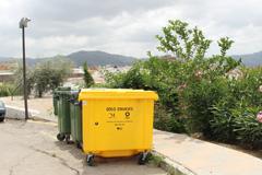 La Concejalía de Medio Ambiente distribuye más de 40 nuevos contenedores