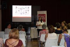 40 mujeres participan en el Taller de Inteligencia Emocional