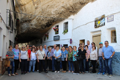 El Ayuntamiento organiza una visita a Setenil de las Bodegas y los Pantanos