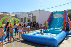 Divertida fiesta del agua en Bermejo