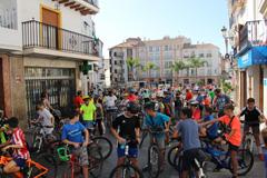 Más de 300 personas se suben a la bicicleta en Álora