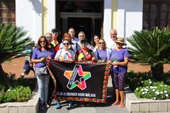 El Club Aliquindoi Nado de M�laga visita �lora y el Ayuntamiento
