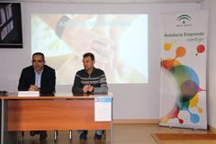 El CADE de Álora informa de las ayudas a personas autónomas
