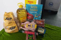 El Ayuntamiento reparte lotes de alimentos a las familias más necesitadas