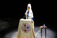 Antonia Contreras pregona �la Mantilla� en el Teatro Cervantes