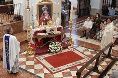 La Hermandad Virgen de Flores celebra una Eucaristía de Confraternización