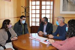 El Alcalde recibe la visita de Guzmán Ahumada, parlamentario andaluz